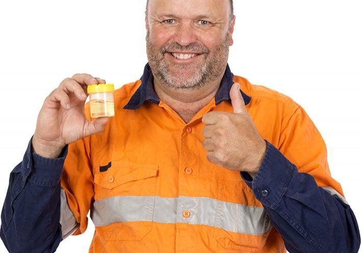 Urine Drug Test Worker-min